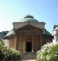 280px-La_chapelle_expiatoire_-_façade